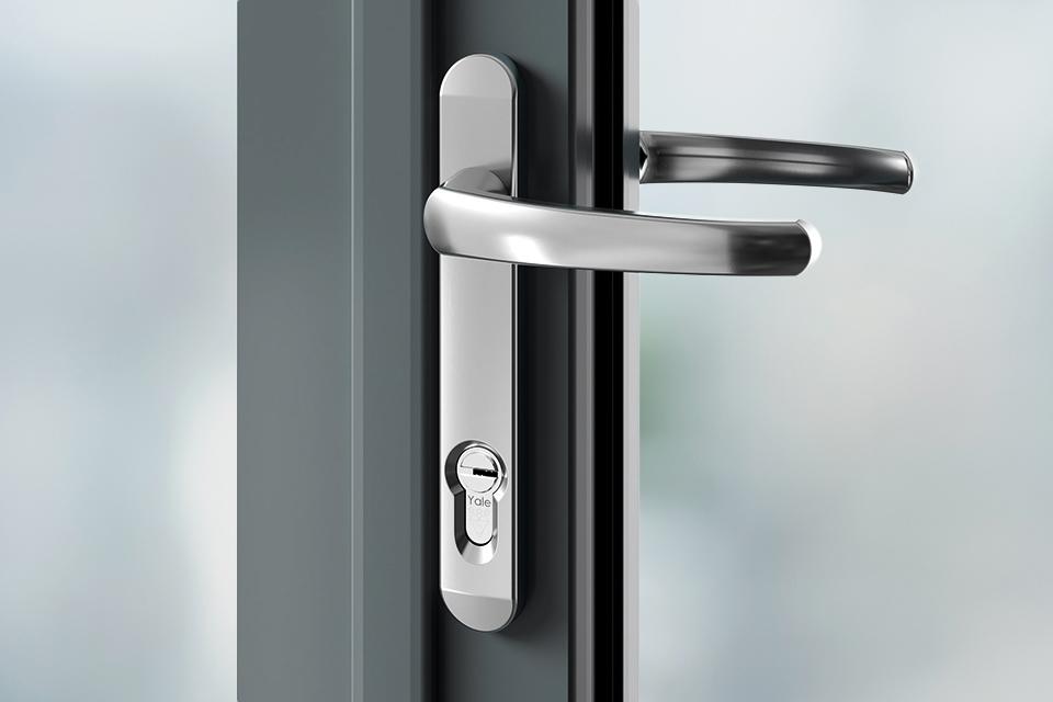 Door handles chrome